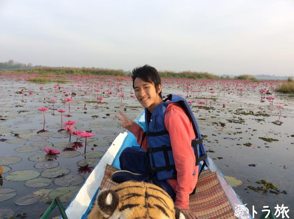 まるで桃源郷⁉︎天国のような紅い睡蓮の湖に行ってみた